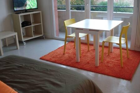 Studio neuf bord de meuse résidence - Charleville-Mézières