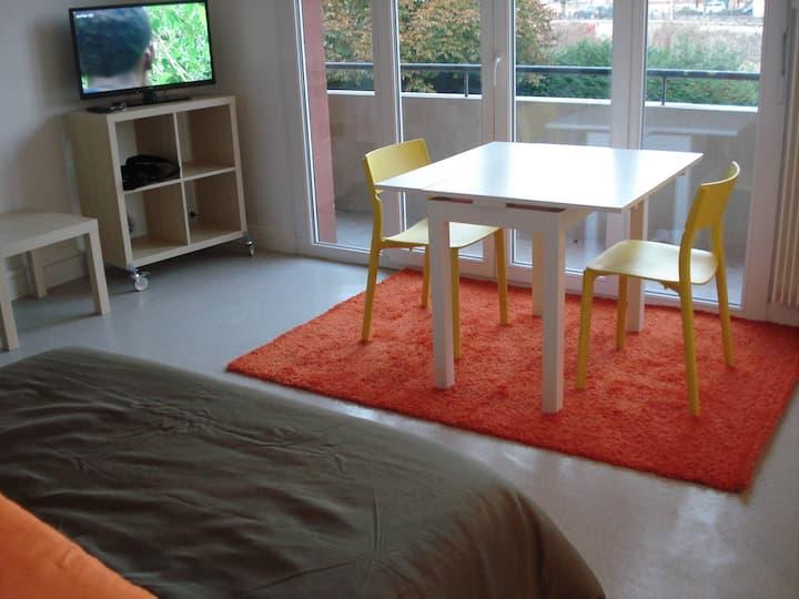 Studio neuf bord de meuse résidence