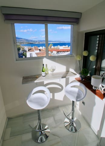 Sea View Puerto Banús Apt SAUNA + PARKING - RDR165