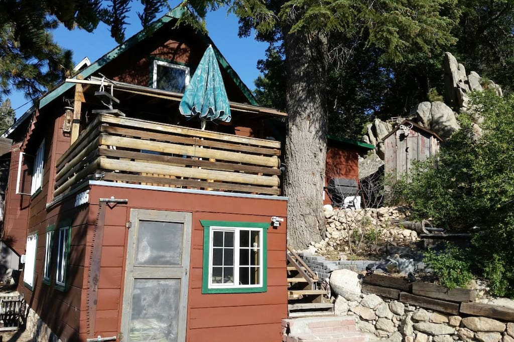 One of a kind cabin a location walk to lake cabins for Airbnb cabins california