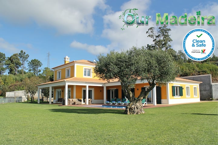 Magnificent & spacious, large garden, heated pool, seaview   Bellevue Villa