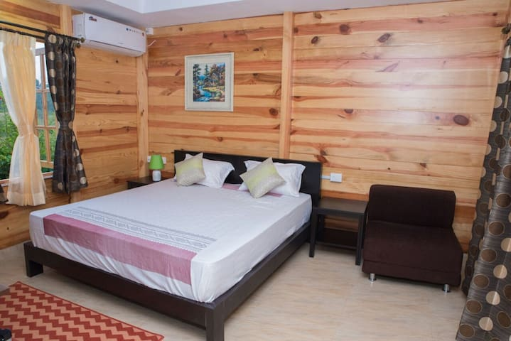 Luxurious Wooden cottages with spice plantation - Navelim Village - Chalé