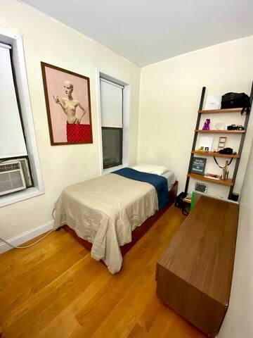 Cozy Private Room in Manhattan, Inwood!