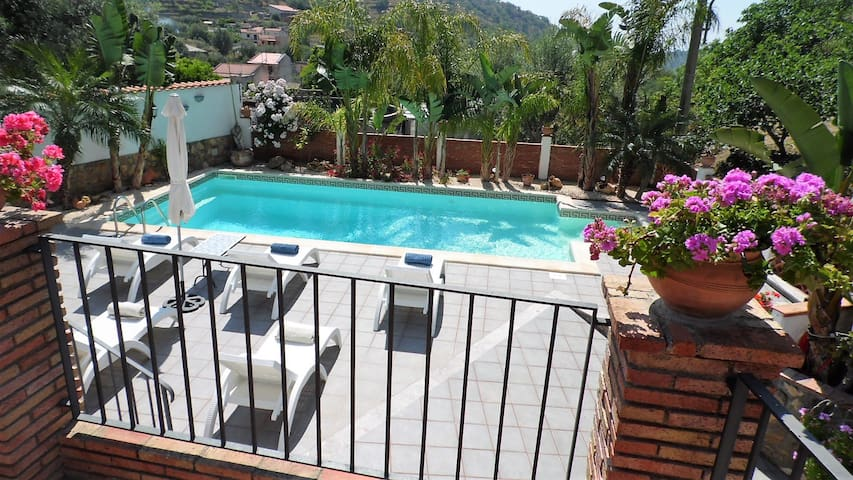 AWESOME VILLA with POOL in SAVOCA & TAORMINA AREA!