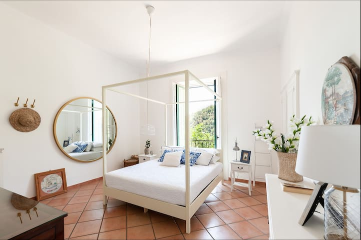 - The bright first bedroom *Villa Mina* managed by  #starhost #uniquehomesperfectstay #starhoststay