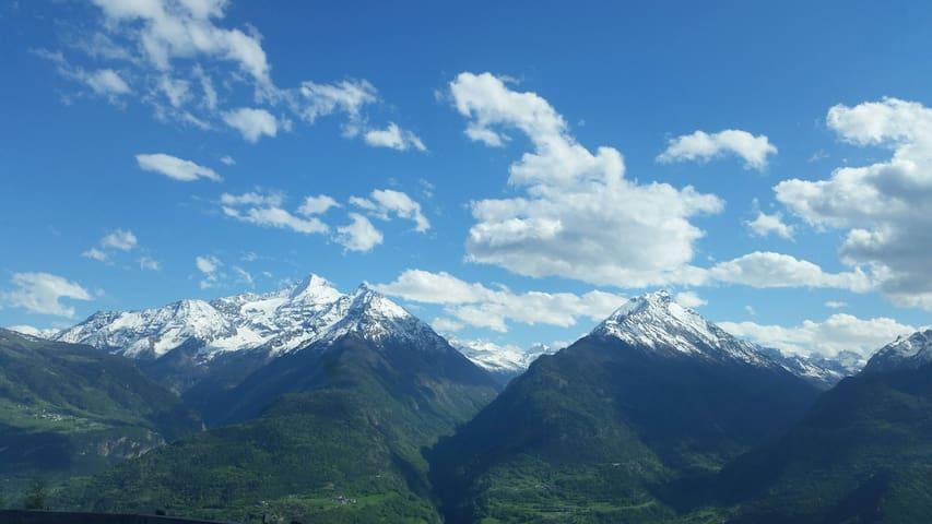 Case/ Alloggi vacanza Vermian - Valle d'Aosta - Rumah