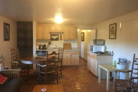 1 Bd Apartment , Wineries, Hiking - Placerville - Lägenhet