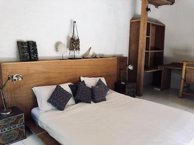 Extra double room (can be a studio or office facing the pool)
