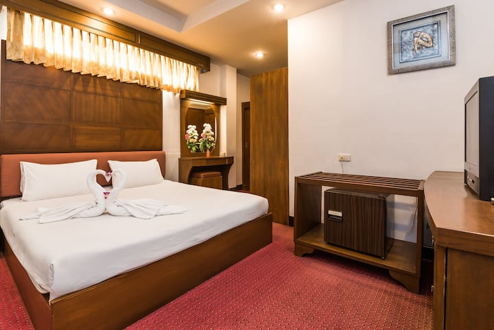 Accommodation in Pattaya, with pool and Wi-Fi