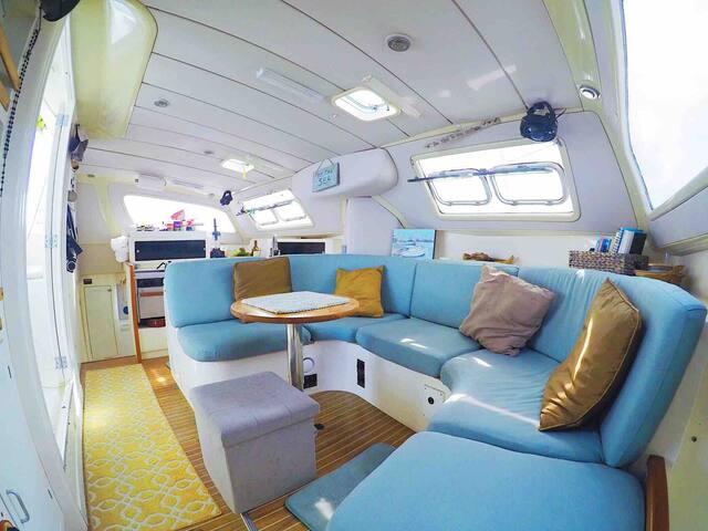 38' Leopard Catamaran