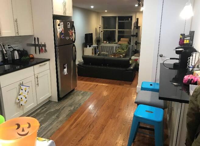 Cozy, private room in amazing, large apartment!