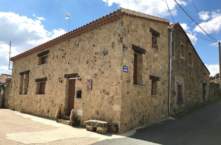 Casa Gala-loft rural de piedra con wifi