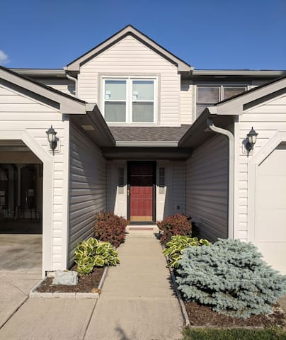 Indianapolis Condo near Eagle Creek Park