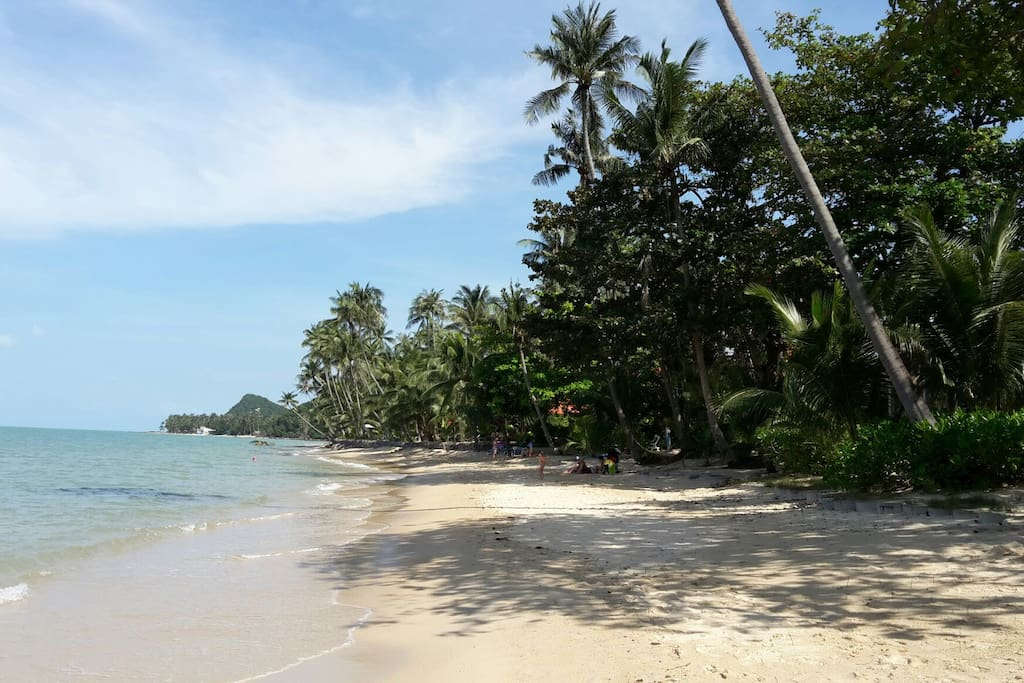 BANGPOR BEACH is at a walking distance from Baan Sawadee villa.