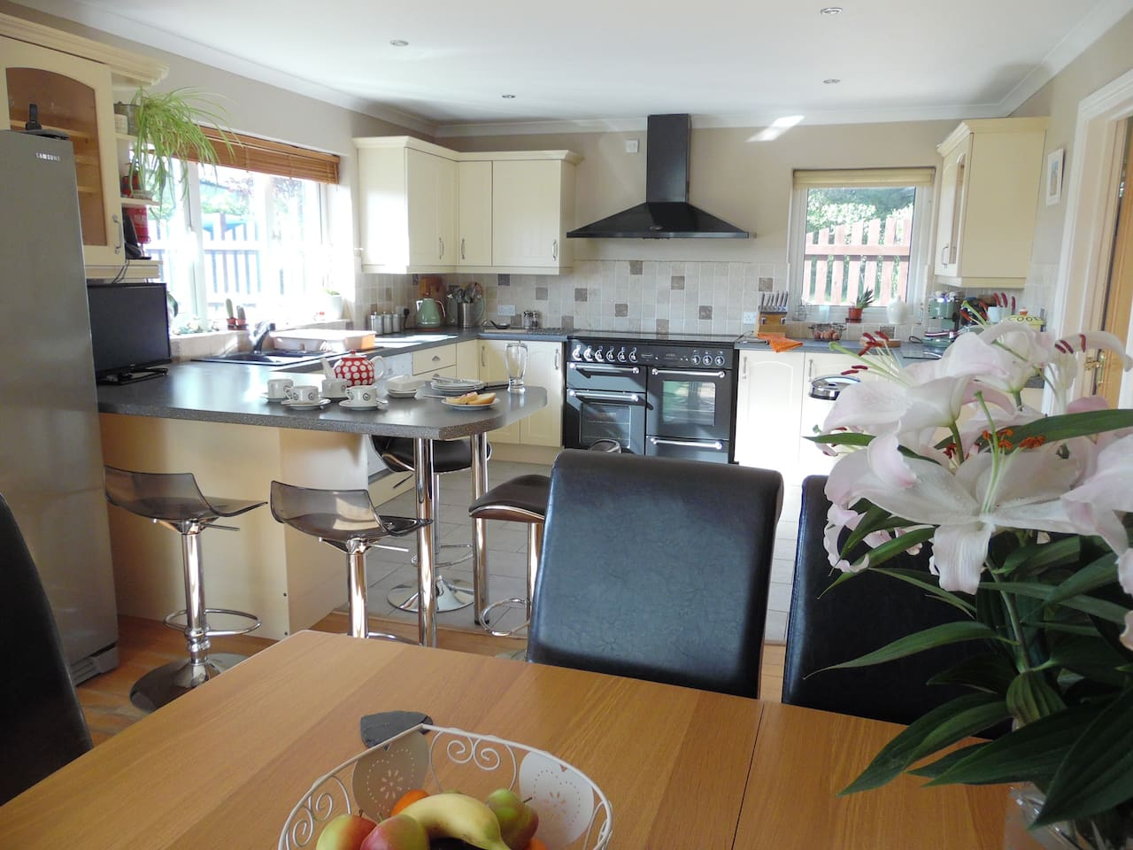 Cook up a treat in the fully equipped kitchen