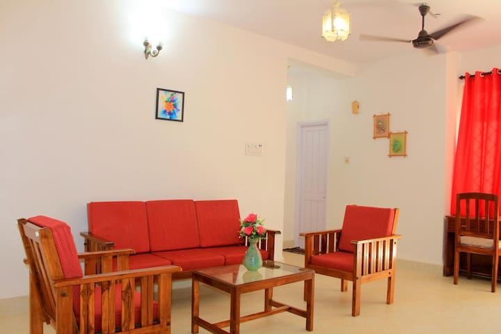 1BHK Pool View Home Near Calangute Beach