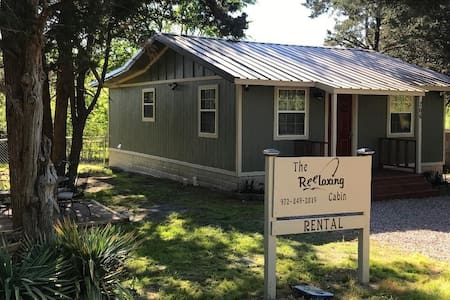 Lake Texoma THE REELAXING CABIN! Newly Renovated!