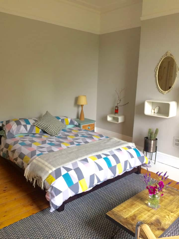 Lovely large double room in Edwardian House