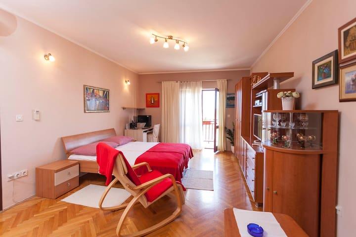 Studio TONI in Makarska Center