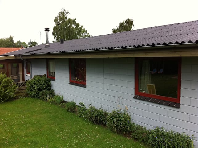 Hus i Løgstrup ved Viborg - Løgstrup - House