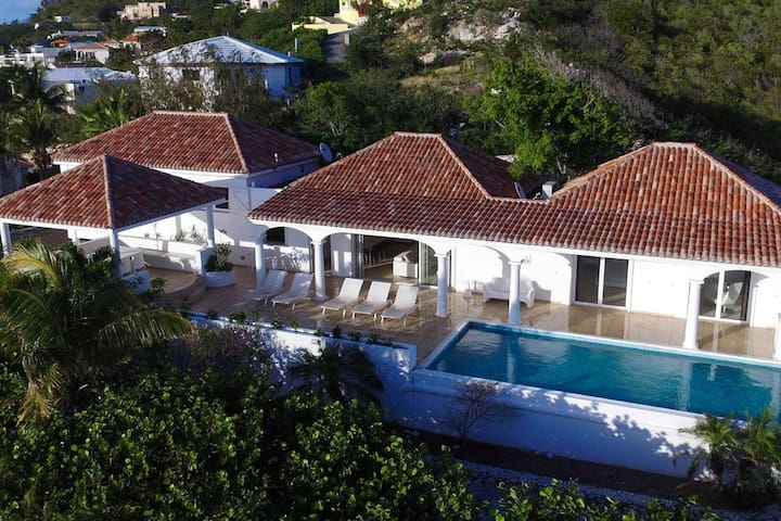 SUMMER HILL Stunning 5 bedroom villa with 180° ocean view ! - Cole Bay - Dom