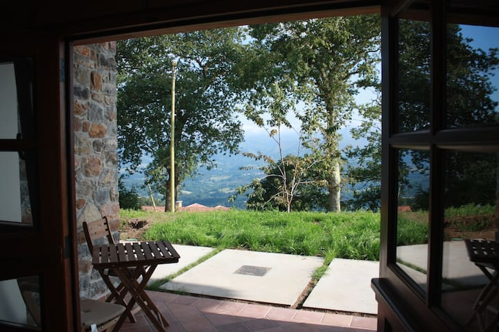 Mountain view, twin bed room in Robledo de Anayo