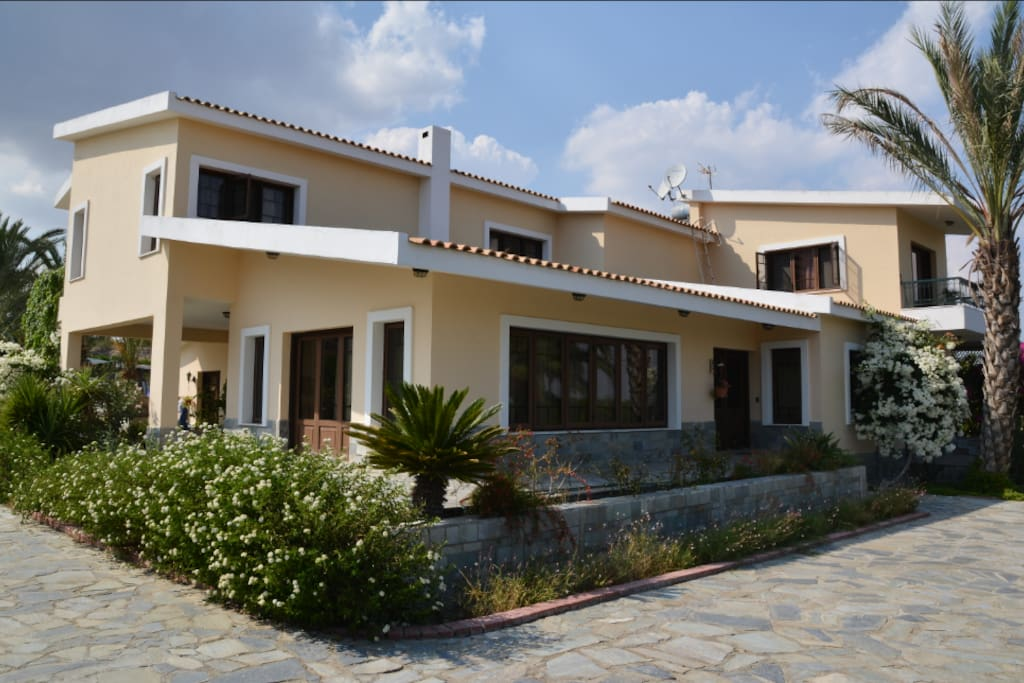 Country House With Big Garden And Swimming Pool Houses For Rent In Geri Nicosia Cyprus