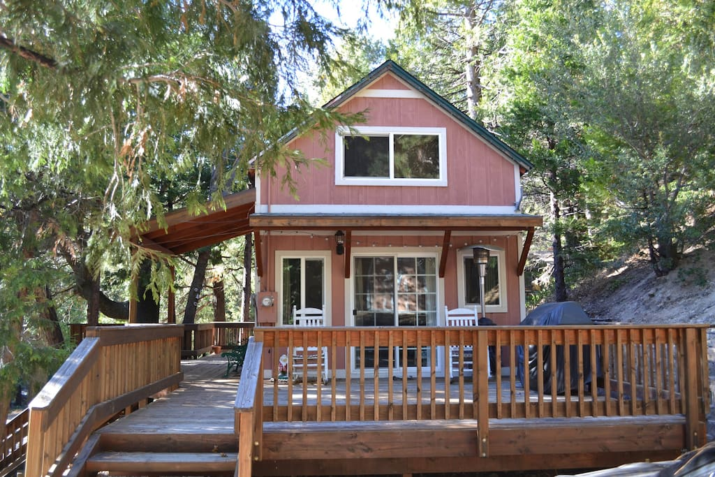 Cozy cabin at lake gregory cabins for rent in crestline for Anthony lakes cabin rentals