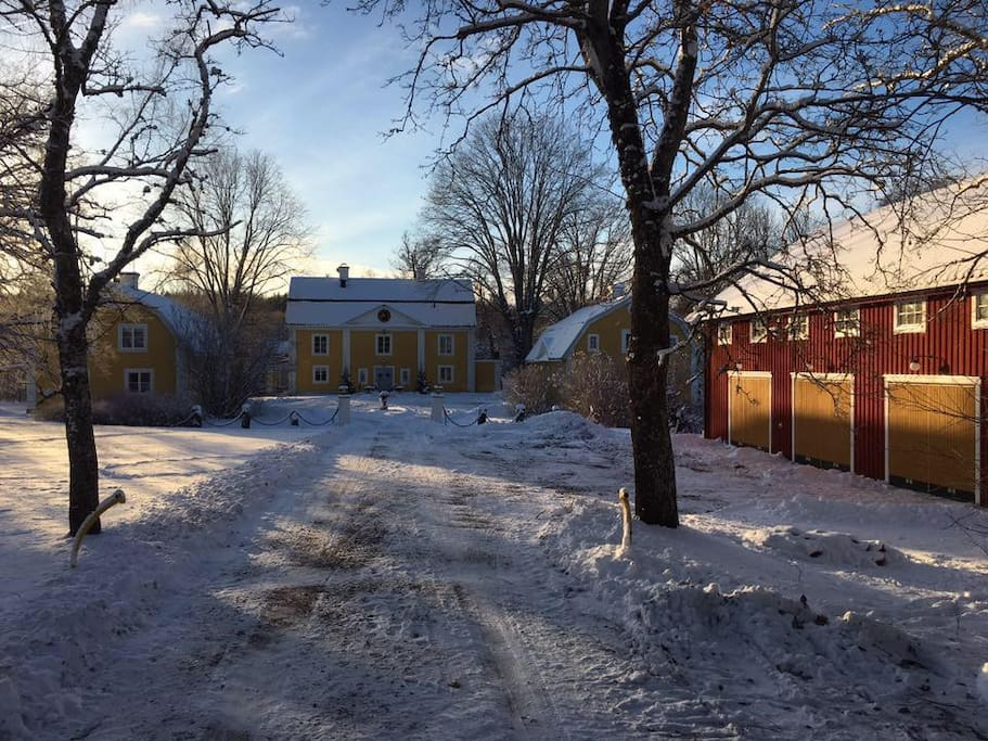 your winter approach to Forsa Gård. Attic appartment in red building to the right