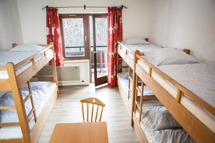 6er Zimmer / 6 bed dorm