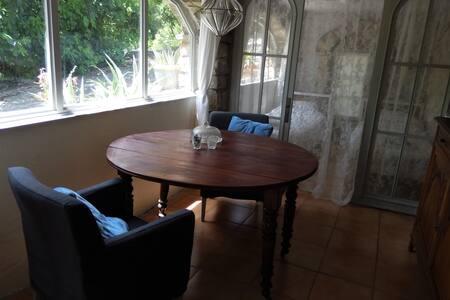 L'Orangerie Sunny and comfortable apartment