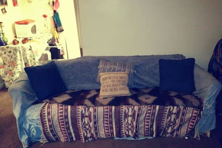 highlands hippie hideaway(couch) - Louisville - Altro