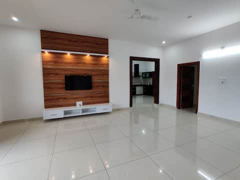 Luxurious apartment with two bedroom and a big living room. Provided with all amenities along with parking.