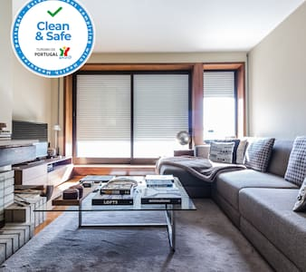 DA'Home - Collector's Luxurious Apartment