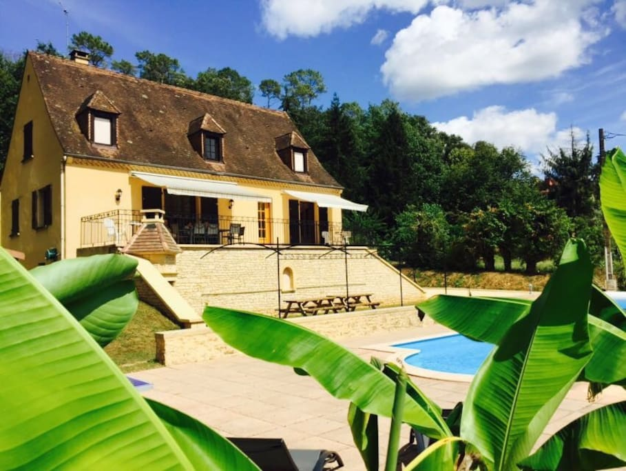 4 BR Summer House with Private Heated Pool