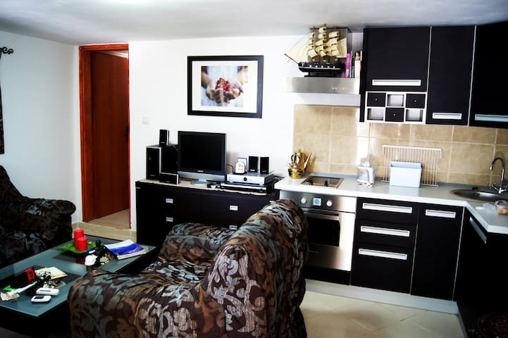 A cozy house 50 meters from the sea - Ulcinj - Dom