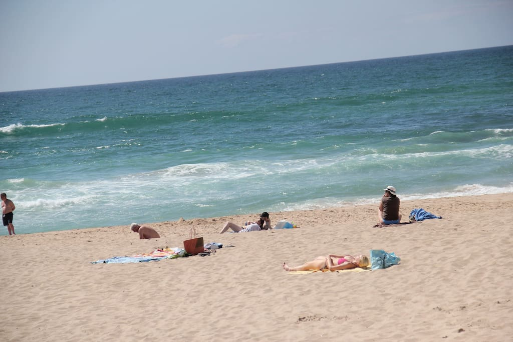 Praia das Maçãs July