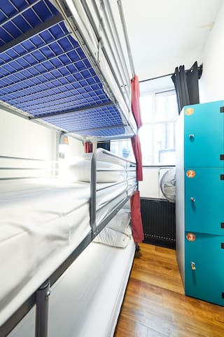Bed in 12-Bed Mixed Dorm Ensuite