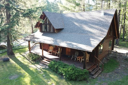 Riverfront Forested Cabin at The Farwood Retreat