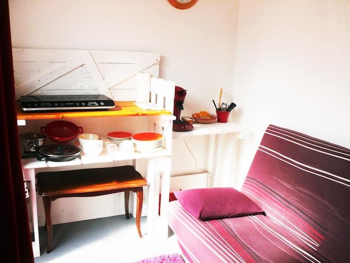Pt studio de passage  avec pte terrasse couverte