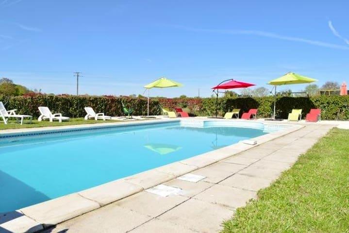 Jolie maison avec accès piscine