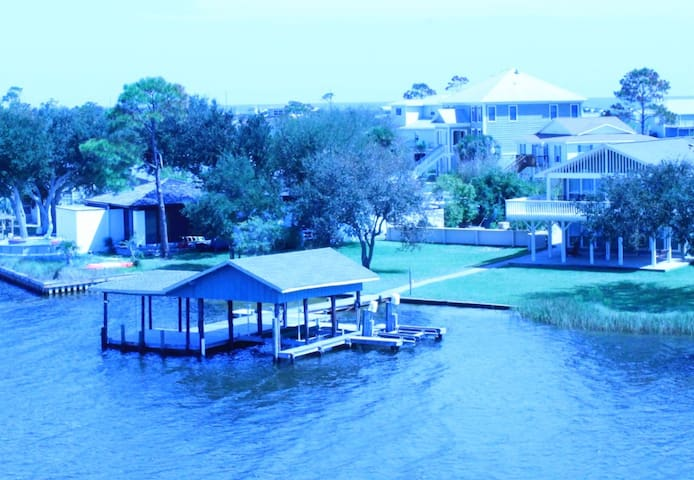 Clary House - Luxury Water Front House - Pensacola - Hus