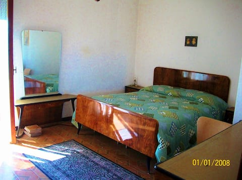 camera matrimoniale a 42 km Roma
