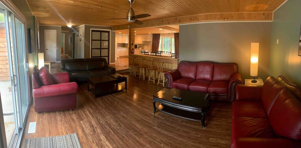 Chipmunk Lodge - Perfect Retreat For Everybody!