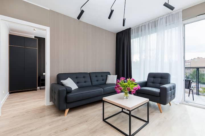 Modern Apartment with Garage ★ Poznań Center