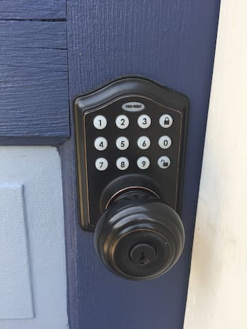This is the entry door code handle that you receive about two weeks before arrival.  See arrival steps 1-7 on  website.