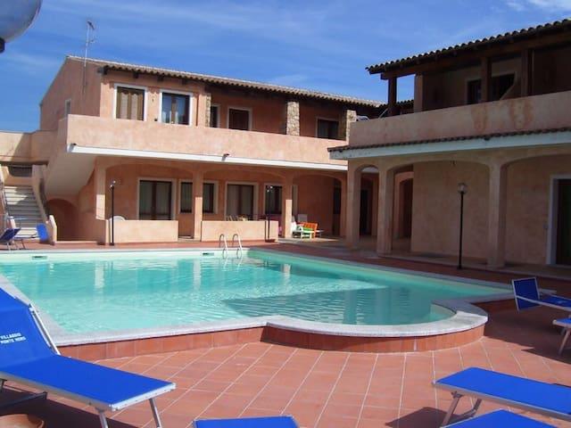 Costa Smeralda appartamento con piscina