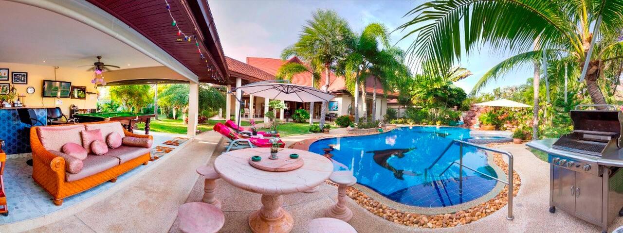 Luxury Holiday Villa  Near Pattaya Thailand - Pattaya - Villa