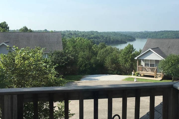 Lake House Near Louisville, KY 41 - Taylorsville - Casa