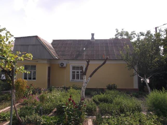Уютные комнаты недалеко от моря - Gelendzhik - Vacation home
